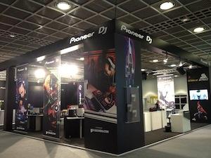 Hochzeit DJ Party Hessen Andre Davis ist offizieller PIONEER DJ und DJ Party in Frankfurt, Darmstadt, Kassel, Gießen, Marburg